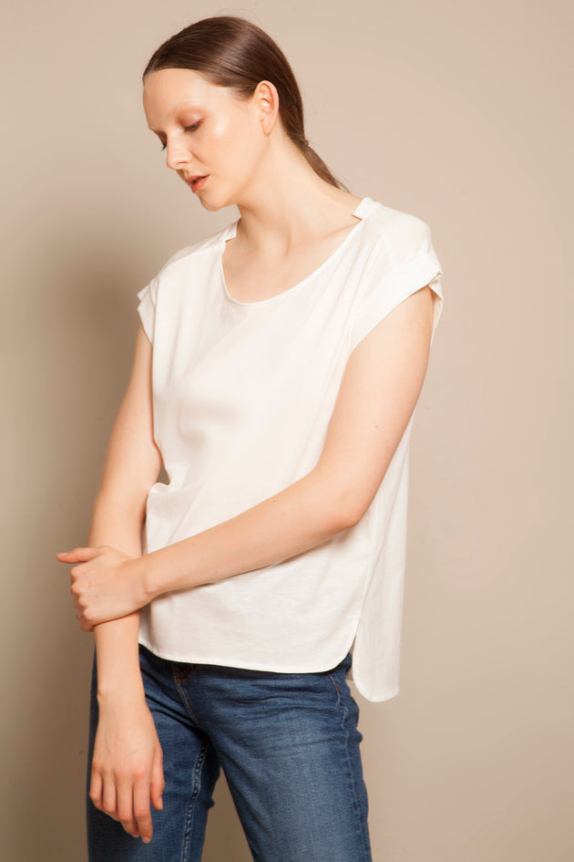 Round Neck Fold Sleeves Tee Daylight White