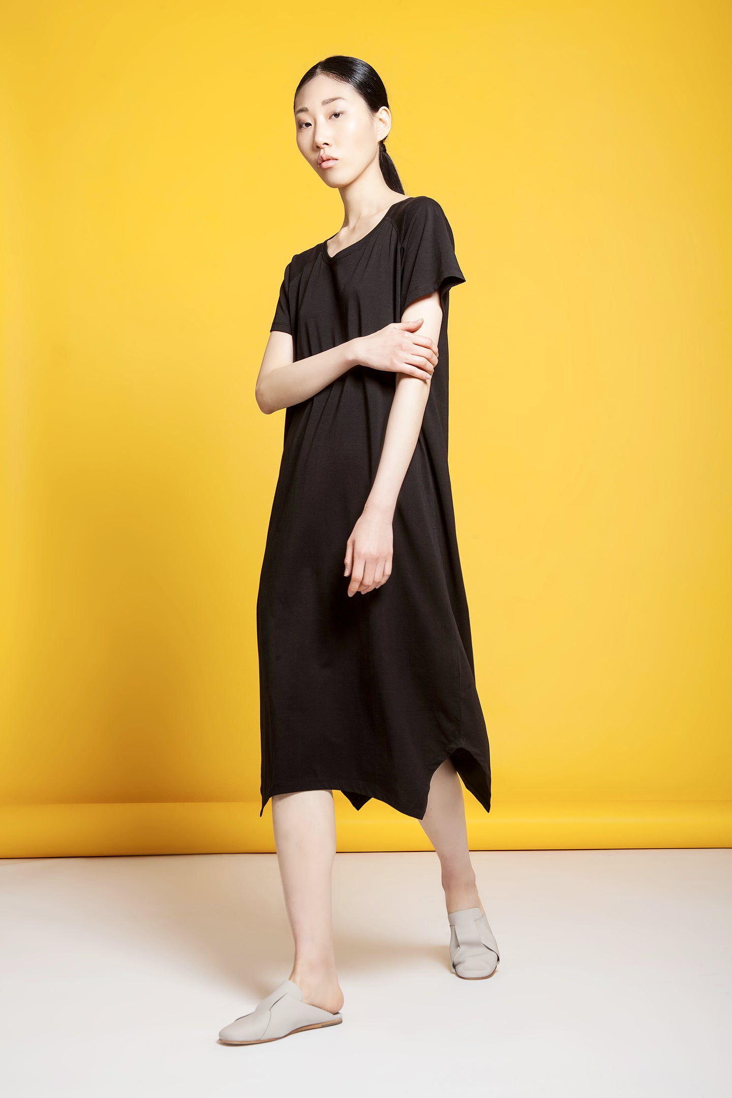 Round Neck Asymmetric Tee Dress Black