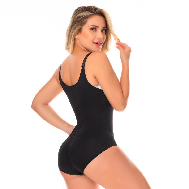 Fajas Colombianas body shaper 056 girdle with 2 line hooks, covered back, free breasts, perineal opening crotch