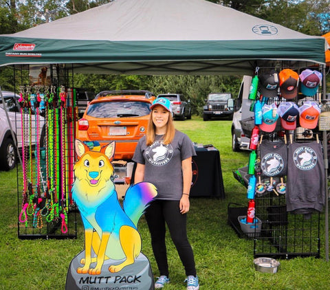 Mutt Pack at a vending event in 2017