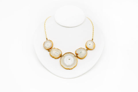 MELA ARTISANS AGATE NECKLACE - WHITE