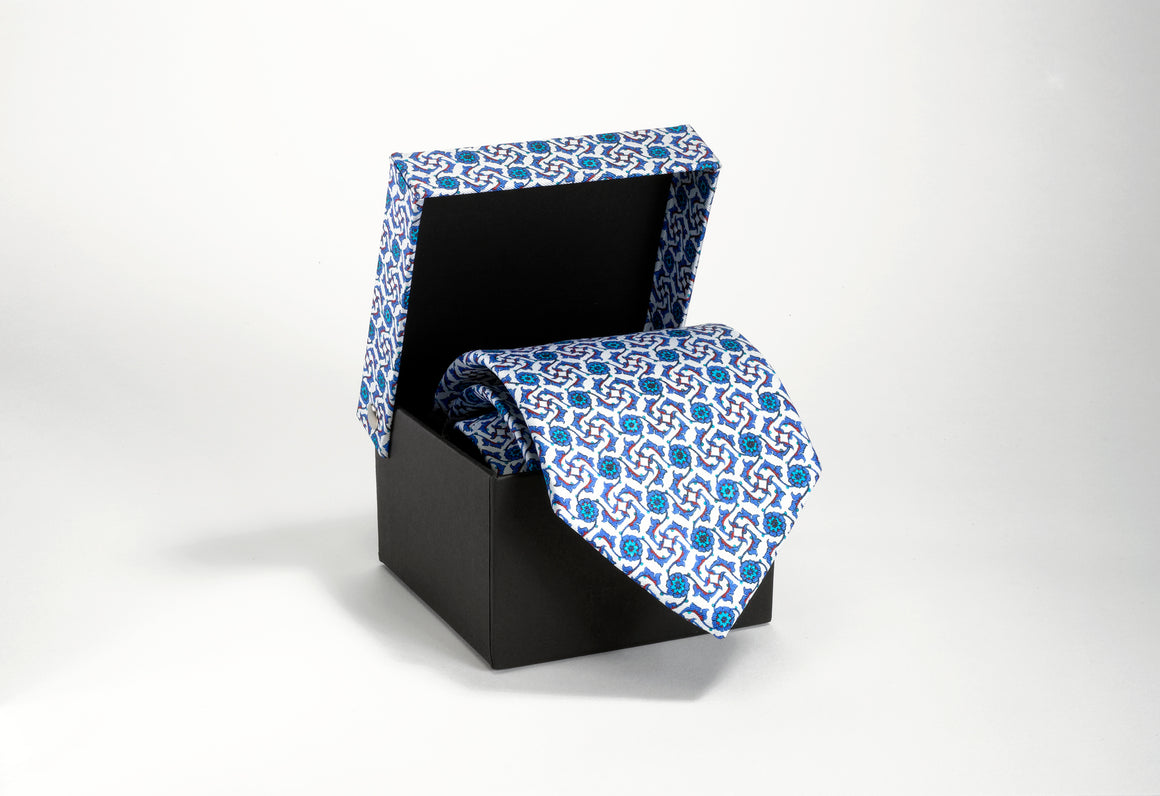 AGA KHAN MUSEUM IZNIK TIES - Sharp White and Peacock Blue
