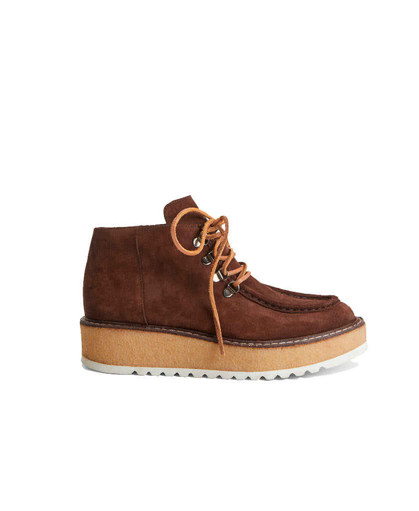 MAX MARA WEEKEND Cantico  Brown suede leather boots with camel brown shoe laces and sole