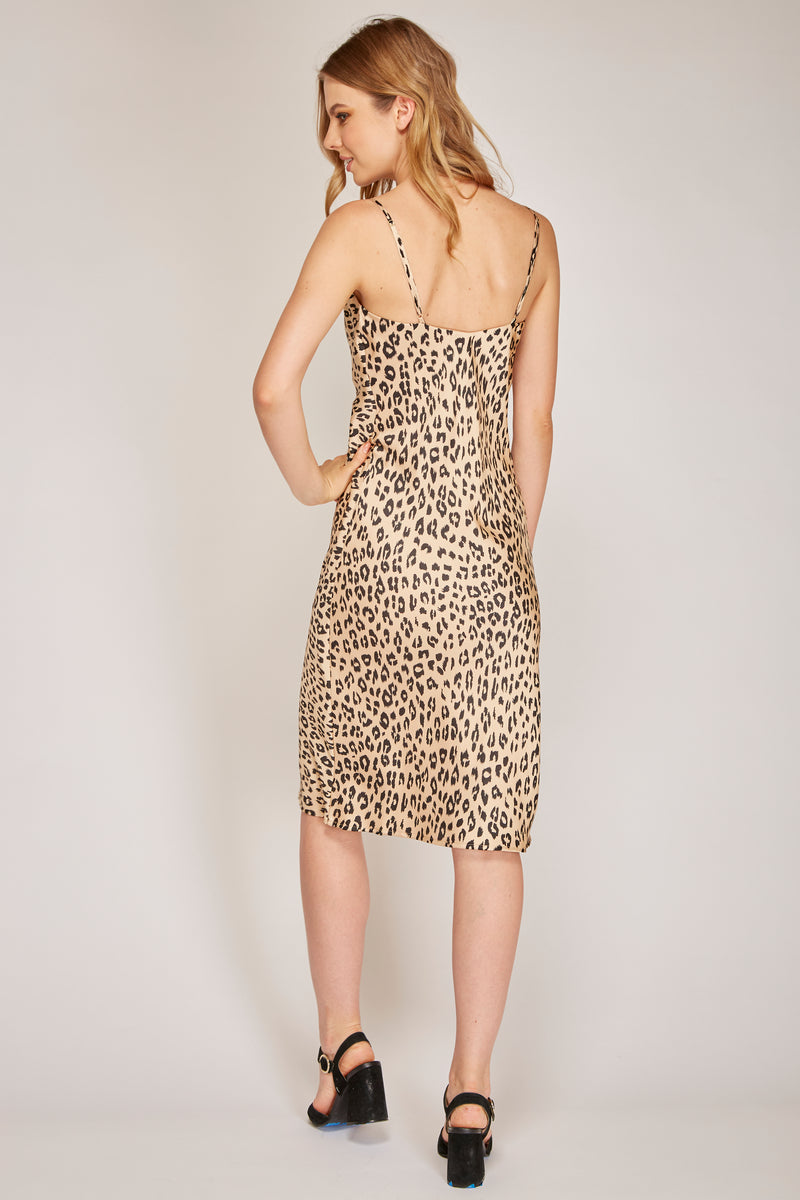 Vestido midi animal print - ICONYWEAR
