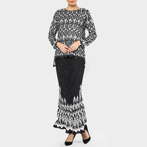 Daria - Modern Fishtail Kurung - Black and White