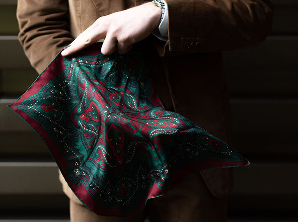 7 REASONS TO WEAR A POCKET SQUARE