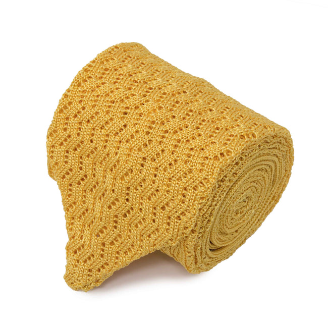 KNITTED  ZIG ZAG V-POINT YELLOW TIE