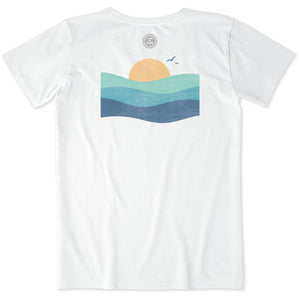 Life Is Good. Womens Crusher Tee Ocean Waves, Cloud White