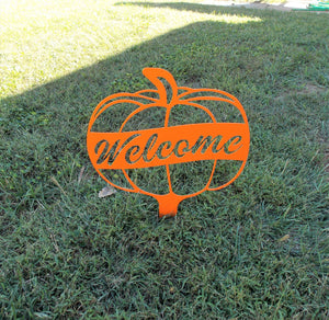 Welcome Pumpkin Yard Metal Decoration