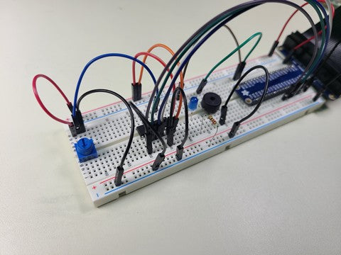 Breadboard circuit with potentiometer
