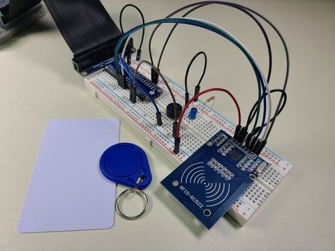 Breadboard circuit with RFID reader and tags