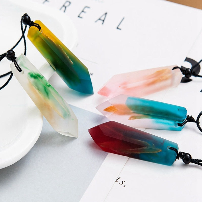 1Pcs New Handmade For Women Men Rope Chain Colored Resin Wood Pendant Necklace Random Color Statement Necklace Jewelry Gifts