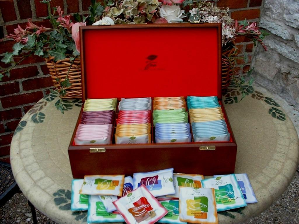 Classic Tea Chest Large (Velvet lined)