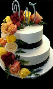Cream Cake with Fresh Roses Cake - W020