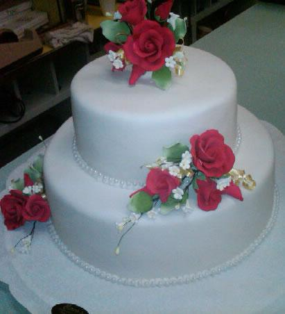 Small Elegant Wedding Cake - W083