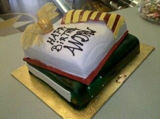 Harry Potter book Cake - CS0191