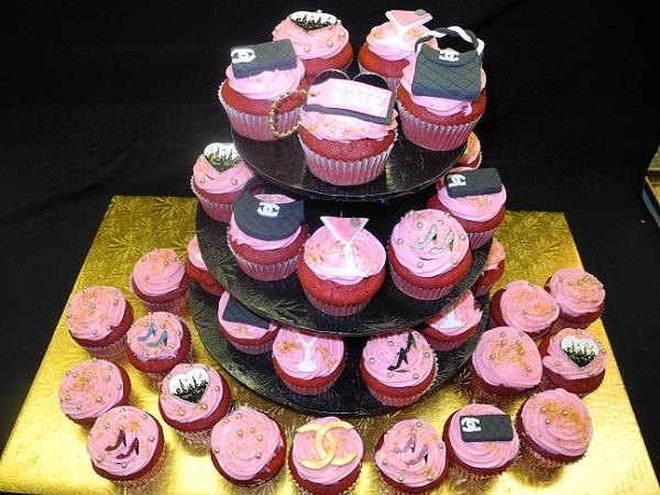 Chanel, margarita, and NYC Cup cakes on Stand - CC094