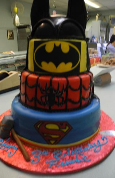 Batman, SpiderMan, Superman Cake - B0777