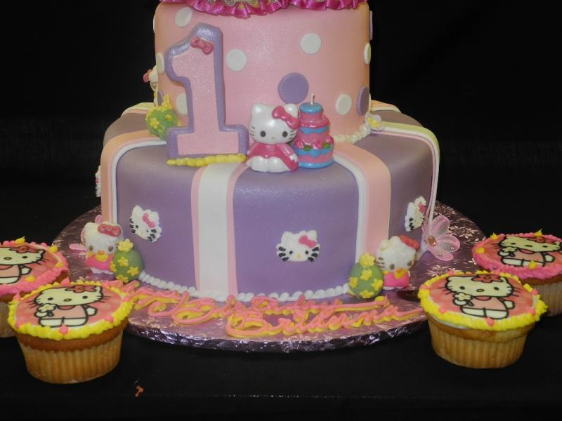 Hello Kitty 1st Birthday Cake - B0608