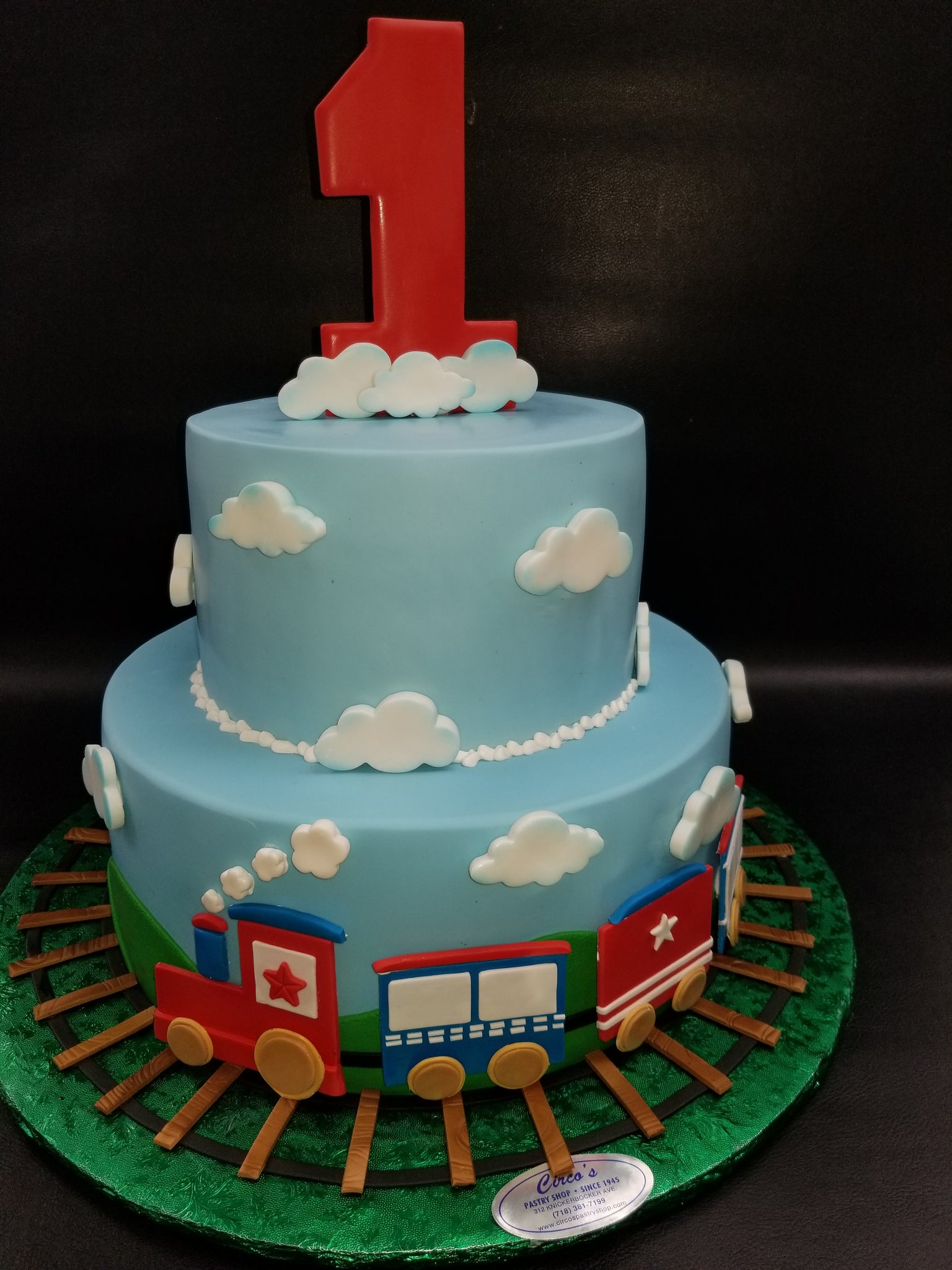 Brilliant 1St Birthday Train Cake B0837 Circos Pastry Shop Funny Birthday Cards Online Inifodamsfinfo