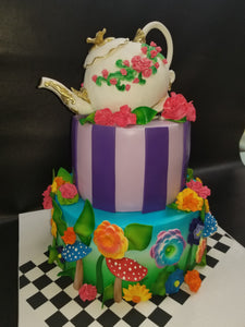 Alice in wonderland style cake CS0284