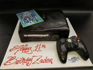 Xbox cake with Fortnite and controller CS0295