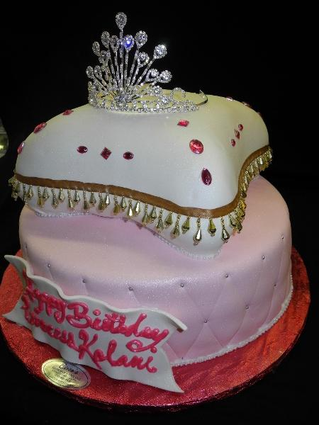 Princess Pillow Cake - B0411