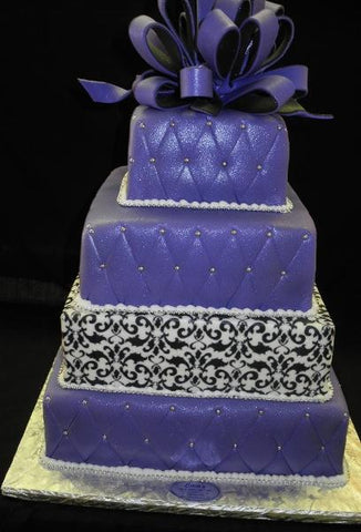Demask Wedding Cake - W151