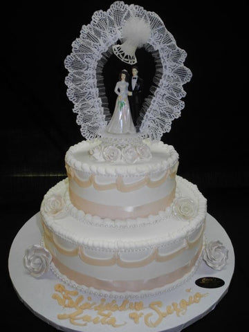 Ivory and White Wedding Cake - W119