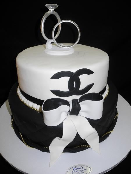 Channel Black and White Wedding Cake - W023