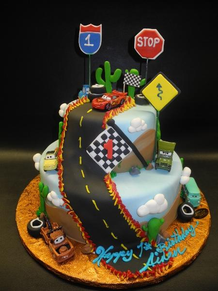 Incredible Cars Fondant Birthday Cake B0011 Circos Pastry Shop Funny Birthday Cards Online Eattedamsfinfo