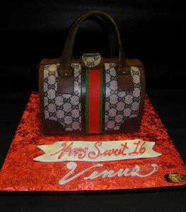 Loui Vuitton Hand Bad Purse Cake