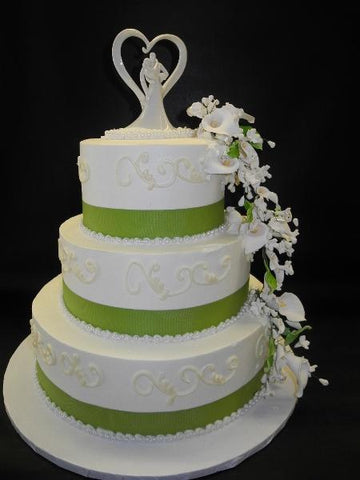 Whip Cream Wedding Cake with Sugar Flowers and Green Ribbon
