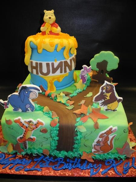 Winnie the Pooh Fondant Cake with Edible fondant Figures