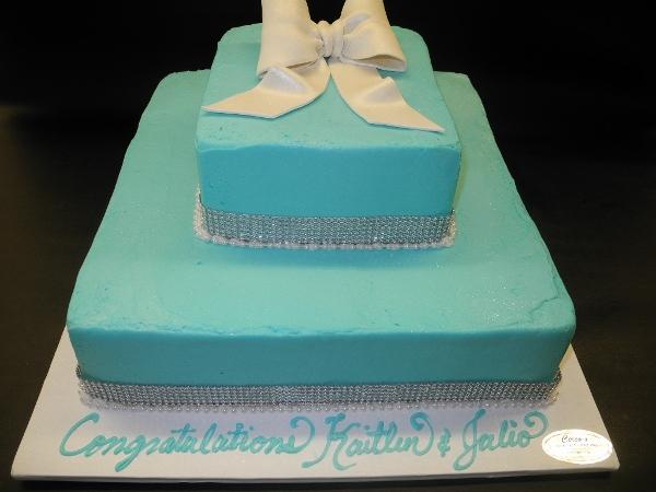Icing Tiffany Blue Cake with Diamonds