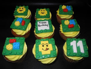 LEGO cupcakes fondant decoration