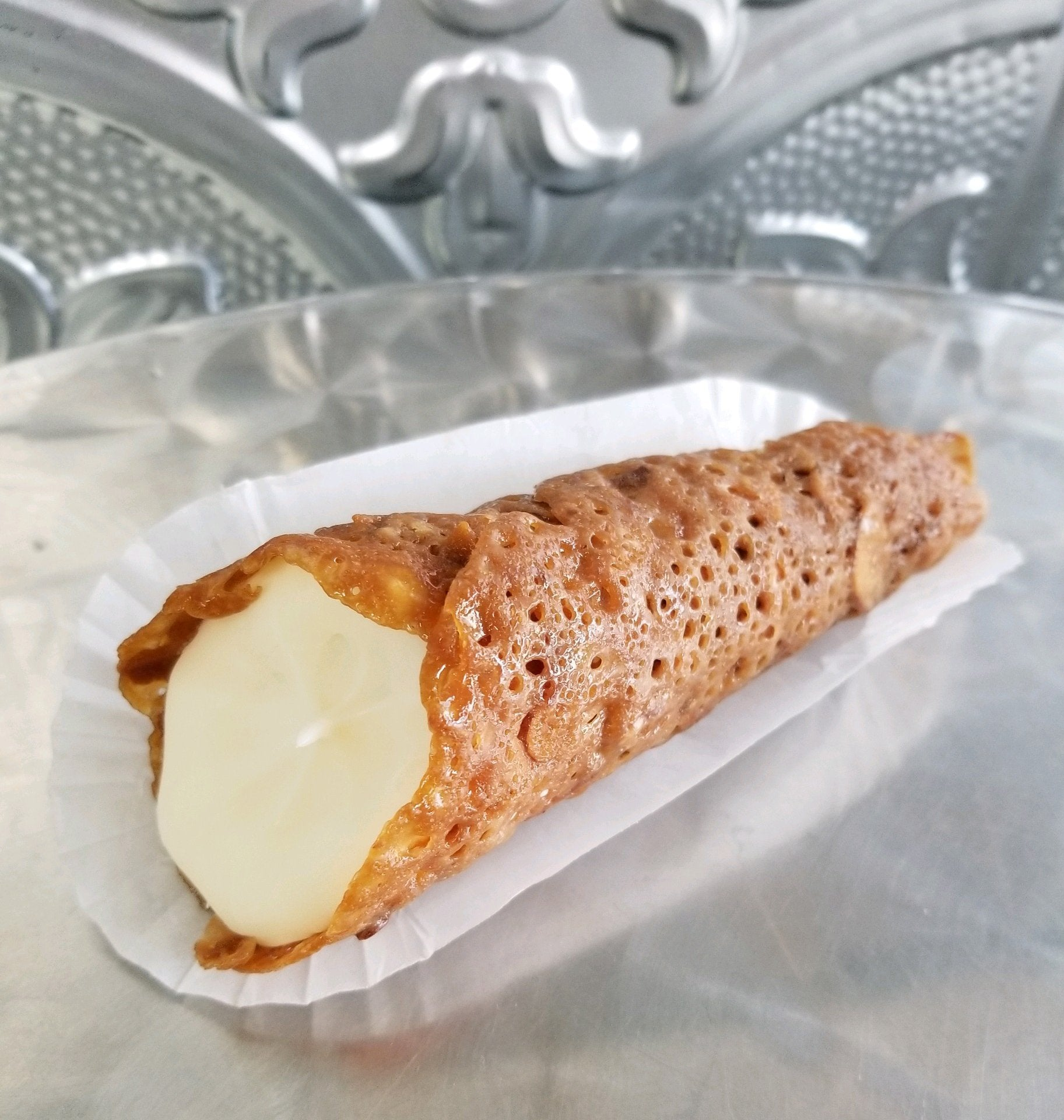 Almond Cheesecake Cone 6 Per order