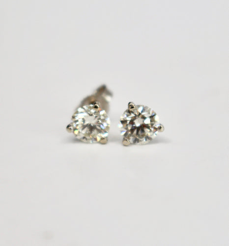 1.26 Round Brilliant Cut Diamond Stud Earrings