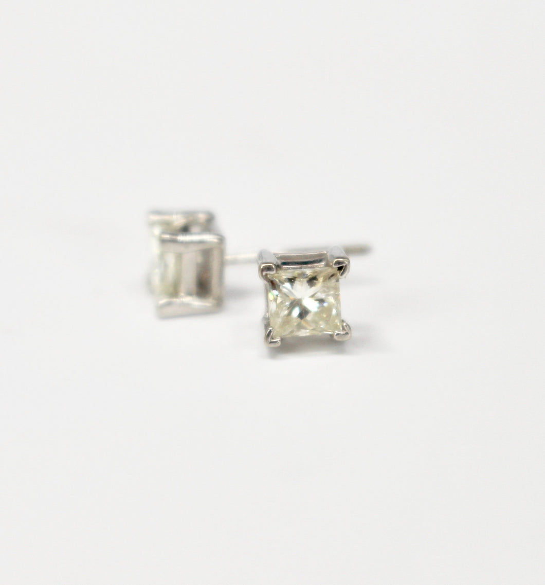 0.75ct Princess Cut Diamond Stud Earrings