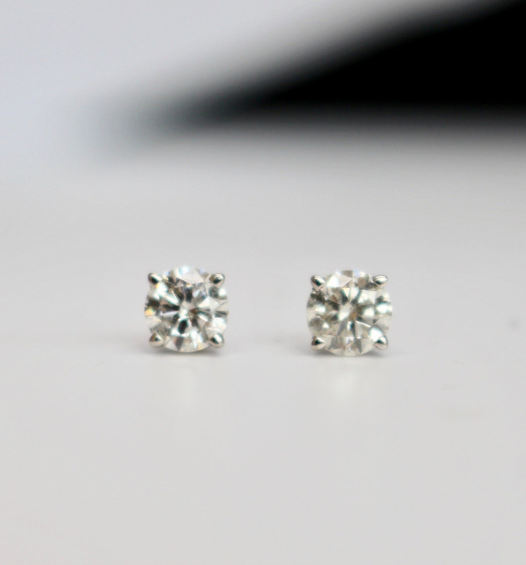 1.01 Round Brilliant Cut Diamond Stud Earrings