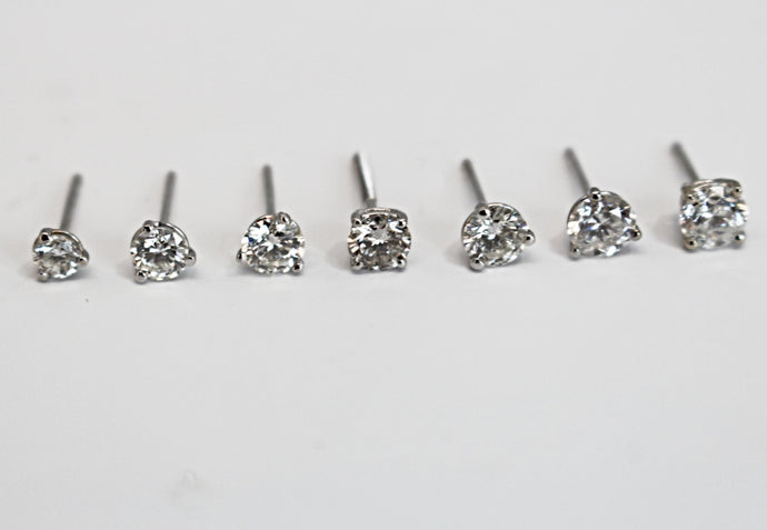 Round Diamond Studs Under 1CT G Color/SI1 Clarity