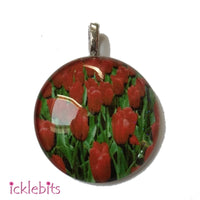 icklebits:Glass Pendant With Red Tulips