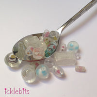 Mix of glass beads - white (Bag 2)