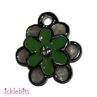 icklebits:Green Flower Charm (Small Pendant)