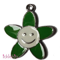 icklebits:Green Flower With Smiley Face Charm