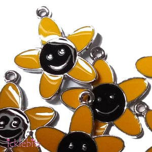 icklebits:Yellow Flower With Smiley Face Charm x 10