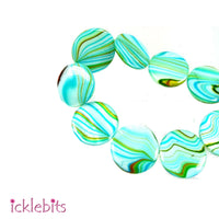 icklebits:Mother of pearl beads. Light blue & red Flat round 20mm (Qty 20)