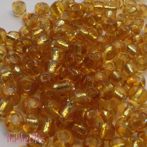 icklebits:50g Gold coloured Seed Beads. Size 4mm (6/0)