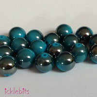 icklebits:Blue Round Two Tone Smooth Beads