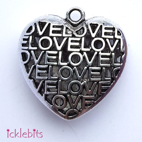icklebits:Heart Pendant Decorated With